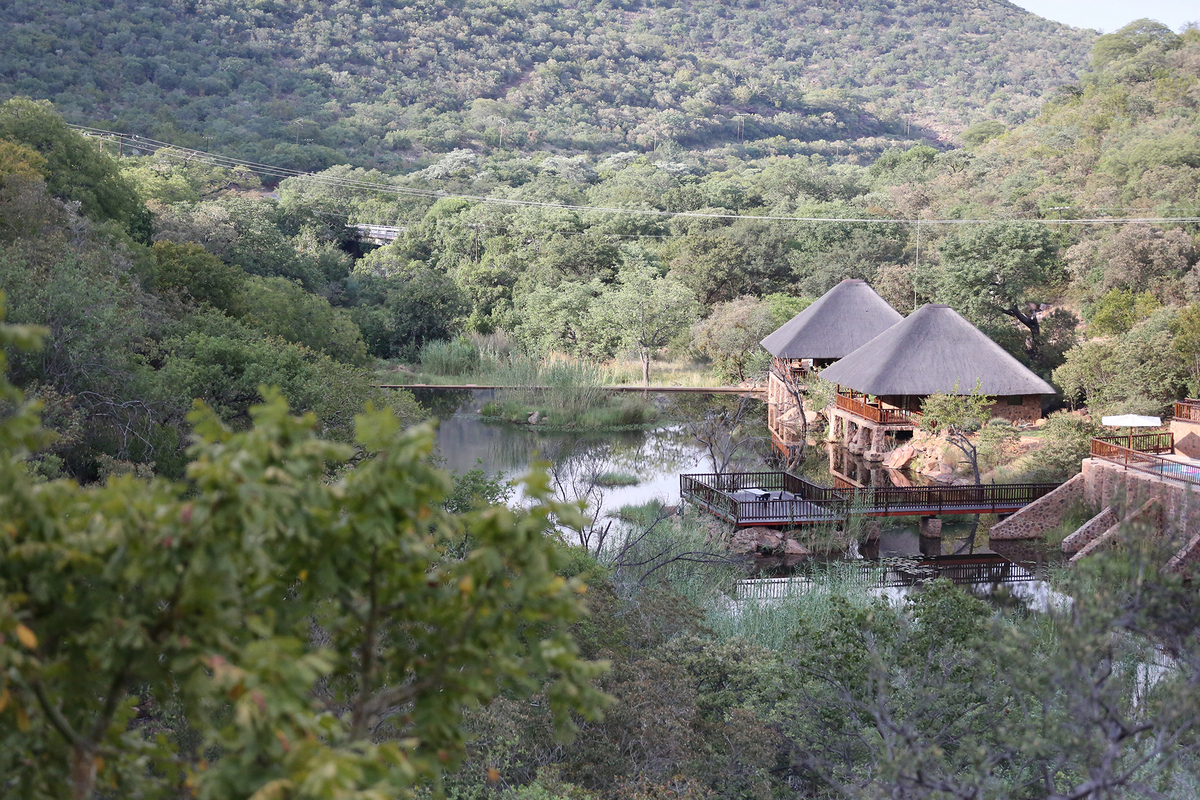 Waterfall Lodge Villa's in summer