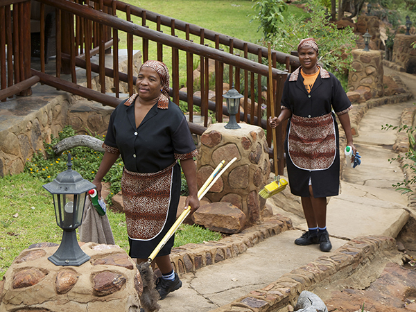 Waterfall Lodge assistents Albertina Matlou and Anna Sepholoane